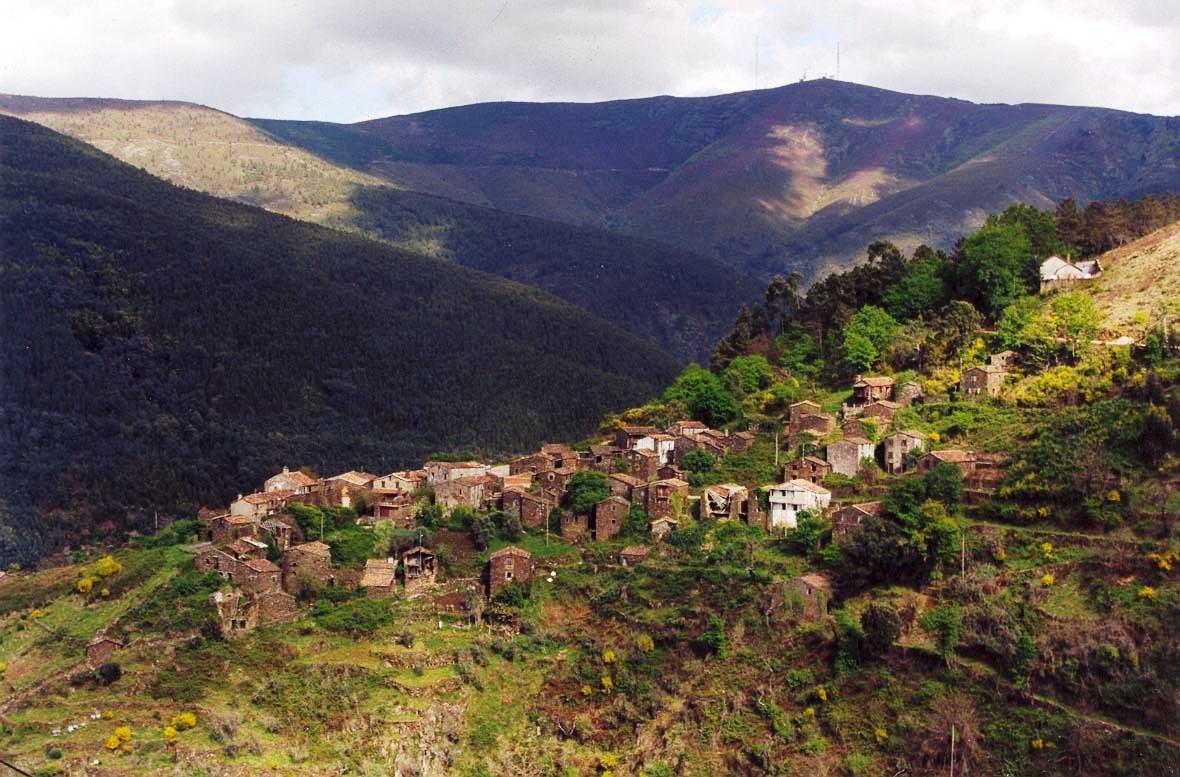 Panorama de Talasnal Foto da autoria de Hugo Capela ([http://www.flickr.com/photos/hpcapela/ capela])